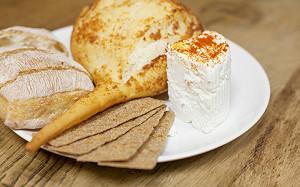 И мой сырок со мной: как сделать дома моцареллу, козий сыр и халуми