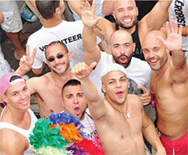 miami gay personals With free membership you can create your own profile, share photos and videos, contact and flirt with other miami singles, visit our live chat rooms and interest groups, use instant messaging and much more.