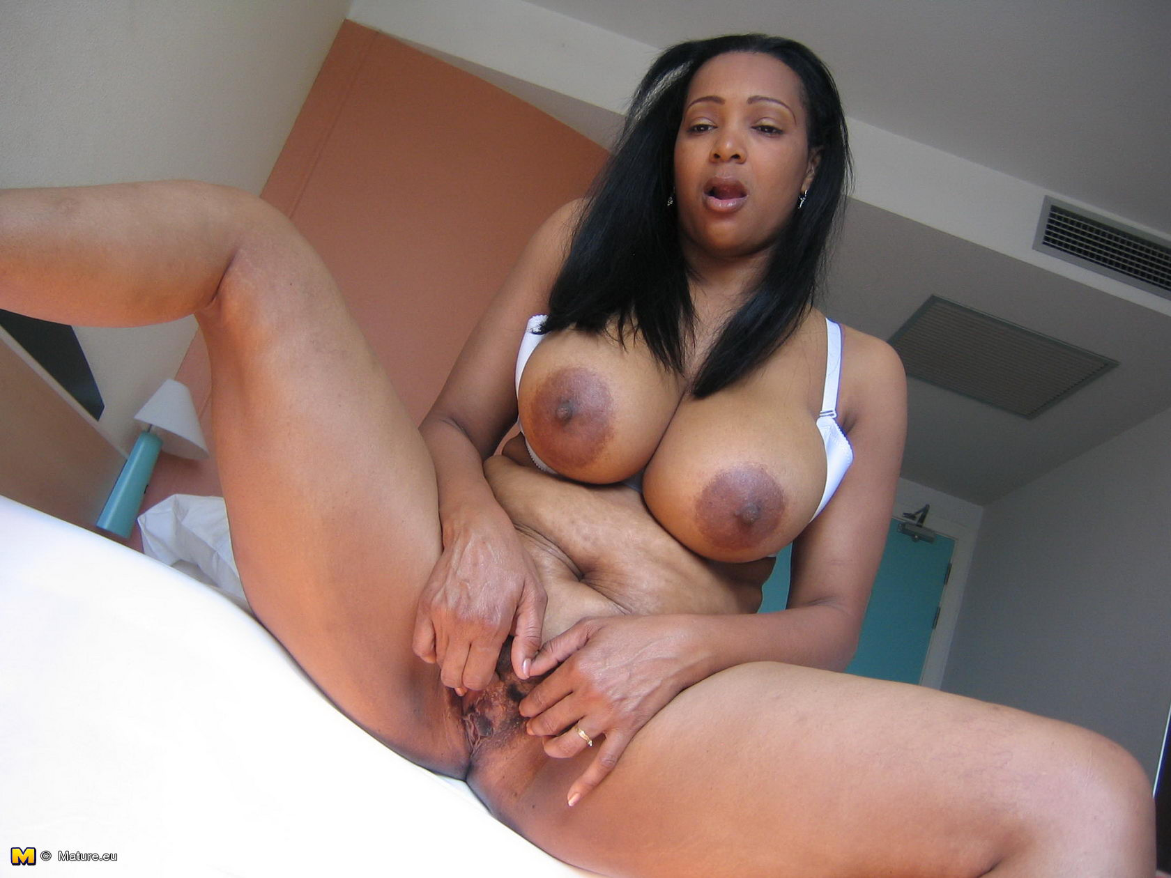 mature black big boobs - big tits