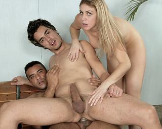 Naked latina girl pics