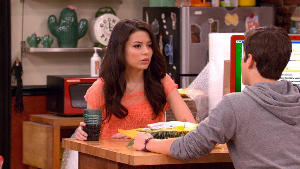 Watch iCarly - iHave My Principals (Season 3, Episode 5