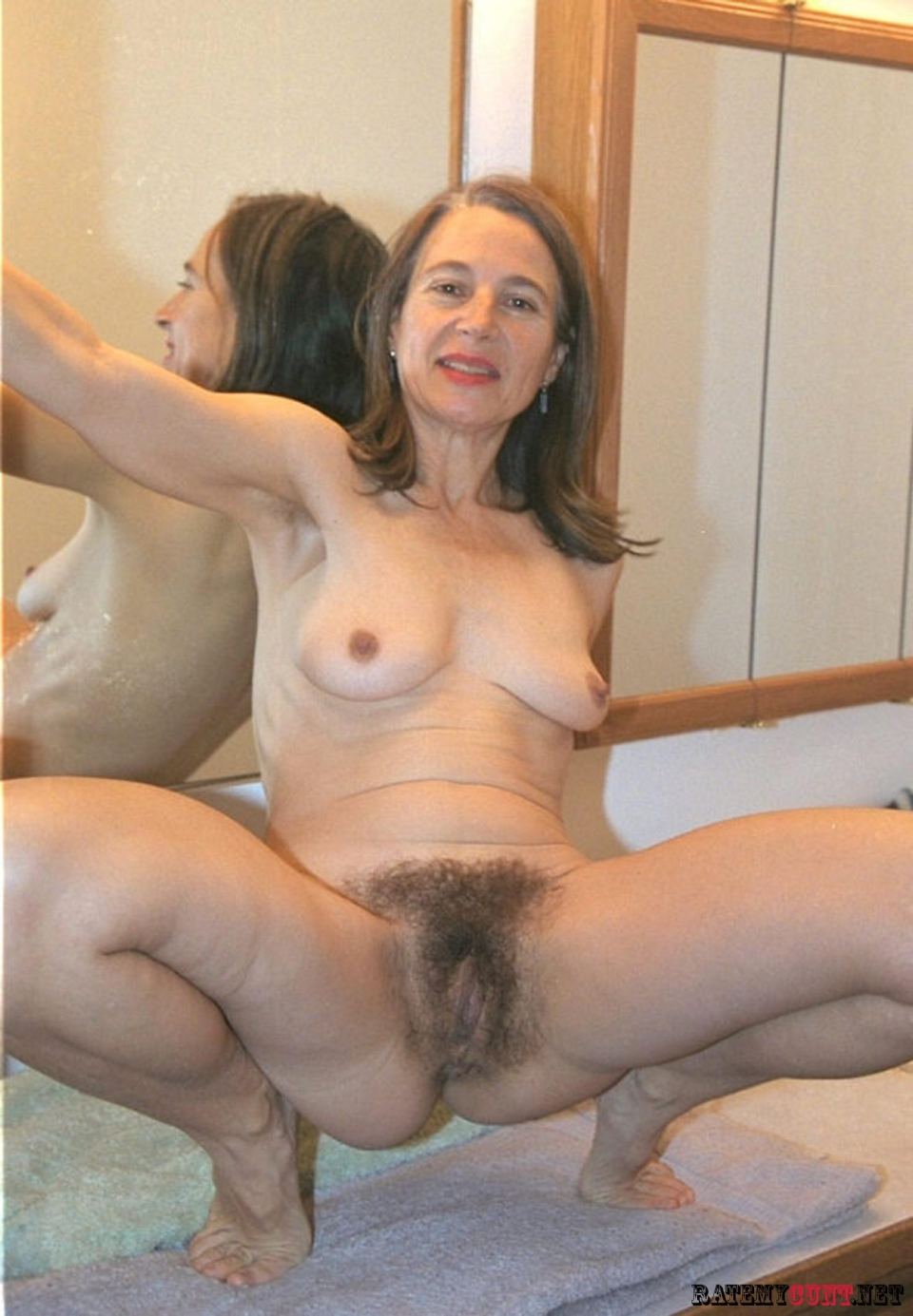 Hairy mature housewife-3773