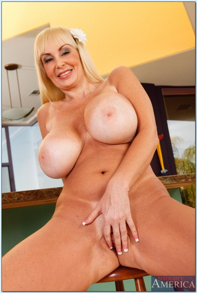 Mature black female nude