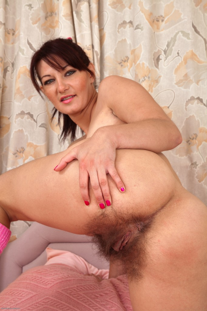Cfnm housewives wanking off dick