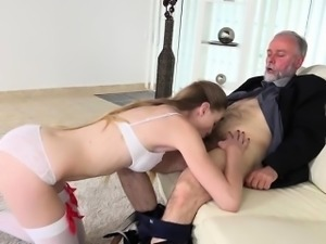 Annabelle flowers gives son blowjob