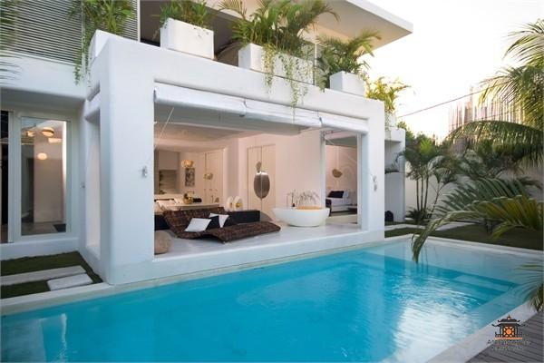 Дом в Перама на берегу моря недорого