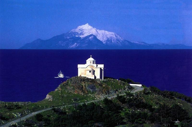 Отель в остров Афон у моря и гор