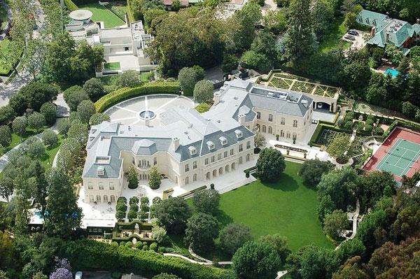 Огромные дома в остров Флорина
