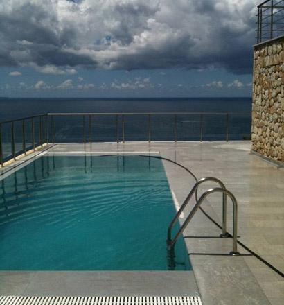 Виллу в остров Эпир с бассейном