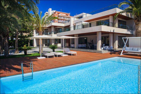 Элитная недвижимость у моря в испания
