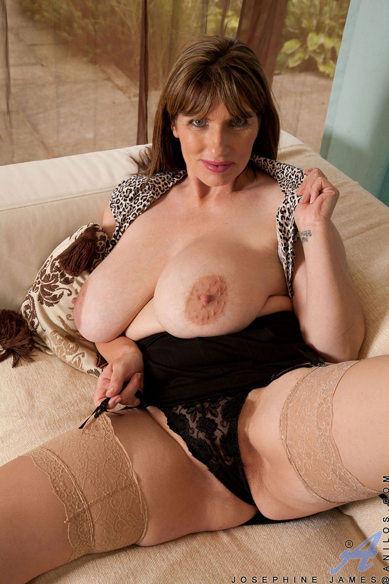 Mature tits beeg outside