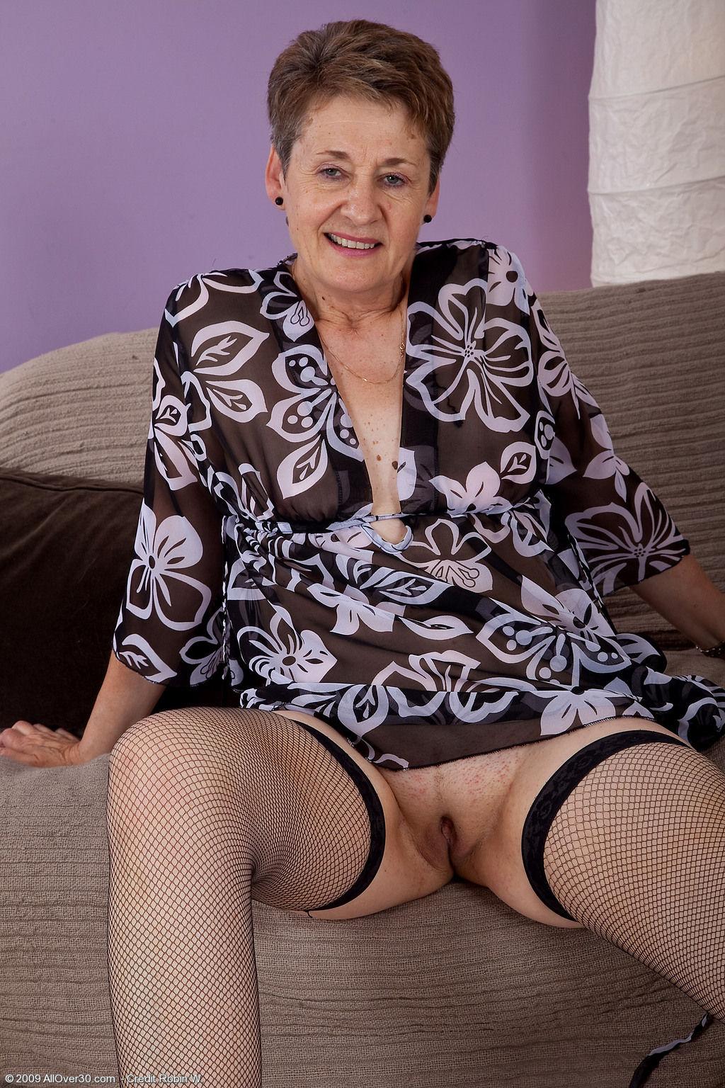 Старые женщины в трусах фото 417-2