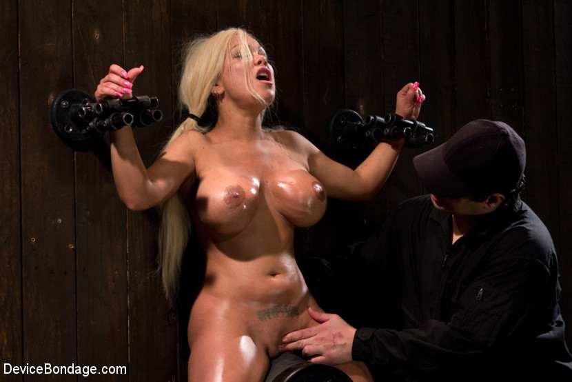 Sex blond huge tits