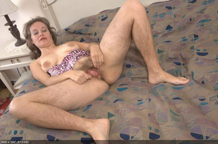 Anal creampie for mommy