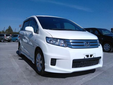 Продажа Honda Freed Spike- bolshoy-kamendromru