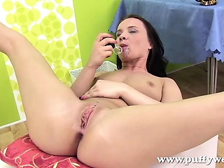 Big shemale solo cum