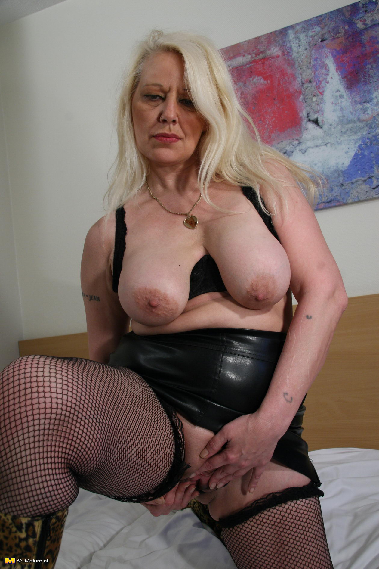 Old solo milf pics solo video xxx