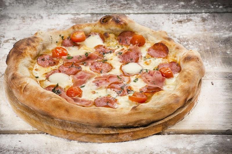Ресторан Луковка - фотография 12 - Пицца  пепперони