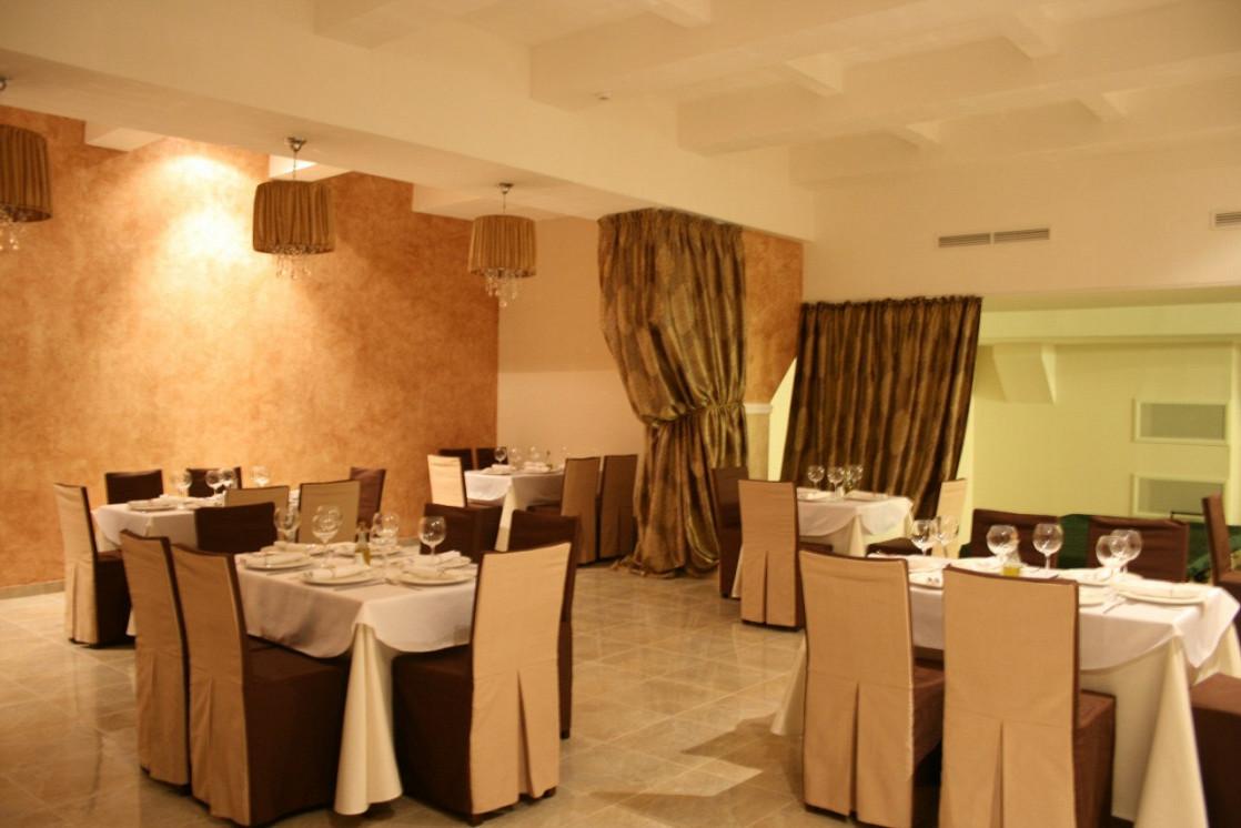 Ресторан Итальянский дворик. Большой - фотография 2