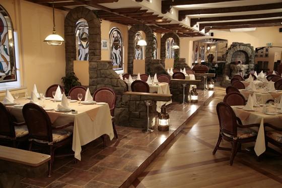 """Ресторан Сулико - фотография 9 - Большой зал ресторана """"Сулико"""""""
