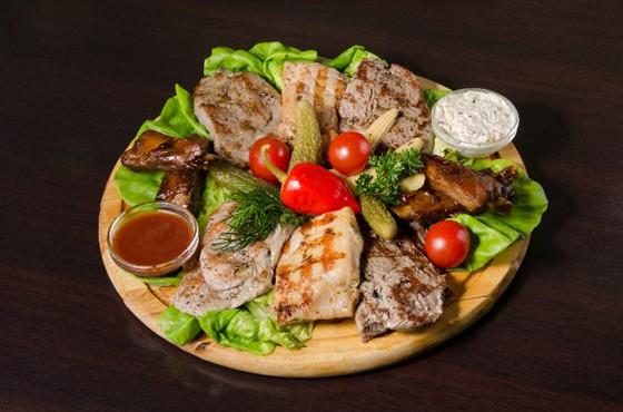 Ресторан Пралине - фотография 10 - Новые блюдо из меню. Мясное ассорти