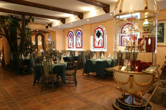 """Ресторан Сулико - фотография 7 - Зелёный зал ресторана """"Сулико"""""""