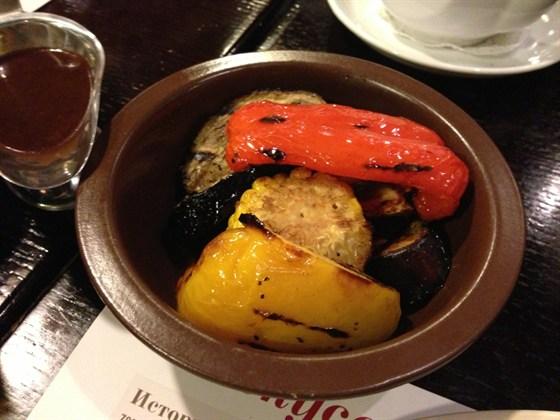 Ресторан Goodman - фотография 12 - Овощи на мангале