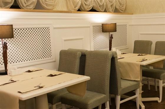 Ресторан Ньютон - фотография 2 - интерьер