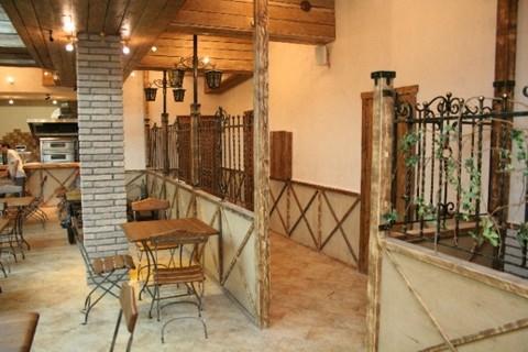 Ресторан Котелок - фотография 1 - Оформление зала