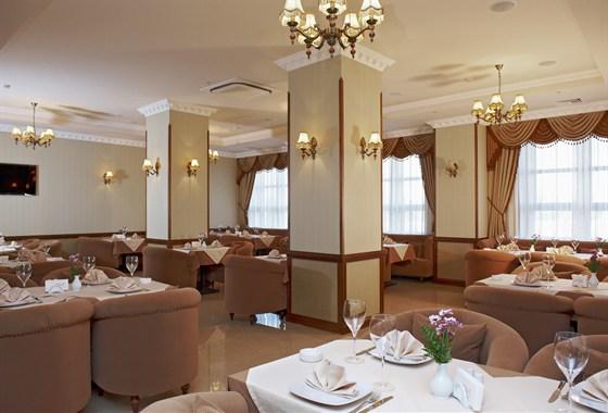 Ресторан Дали - фотография 5 - Диванный зал