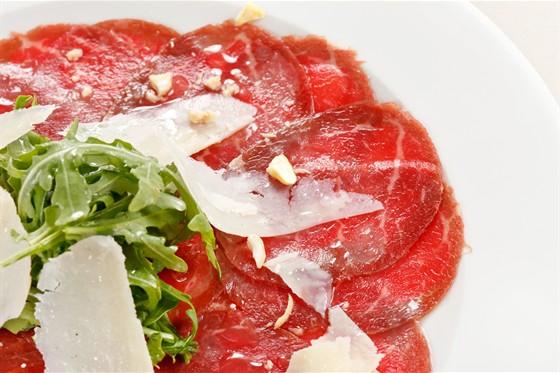 Ресторан La Fenice - фотография 10 - карпаччо из говядины