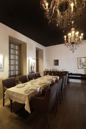 Ресторан In Vino - фотография 17 - Второй этаж (вид 2)