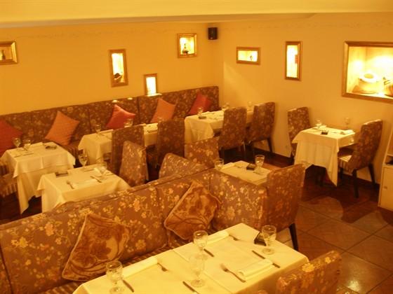 Ресторан Гротта - фотография 1 - большой зал на 30-40 человек
