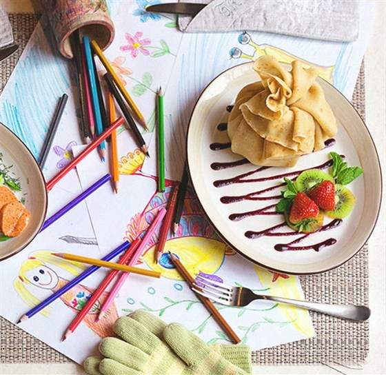Ресторан Блин-клуб - фотография 8 - Все для детей - сладкие блинчики, молочные коктейли, карандаши и раскраски.