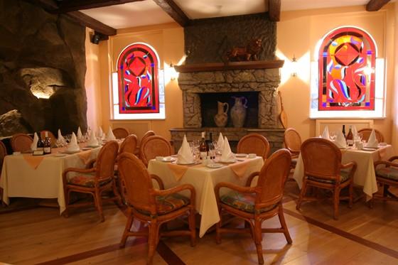 """Ресторан Сулико - фотография 8 - Каминный зал ресторана""""Сулико"""""""