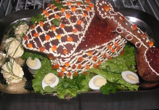 Ресторан Черная жемчужина - фотография 8 - Корзинка с икрой