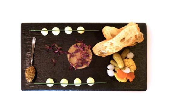 Ресторан Cinq sens - фотография 8 - Паштет из печени кролика