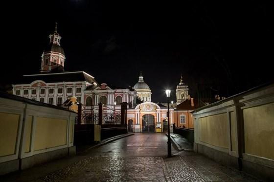 Фото святодуховский центр Александро-Невской лавры