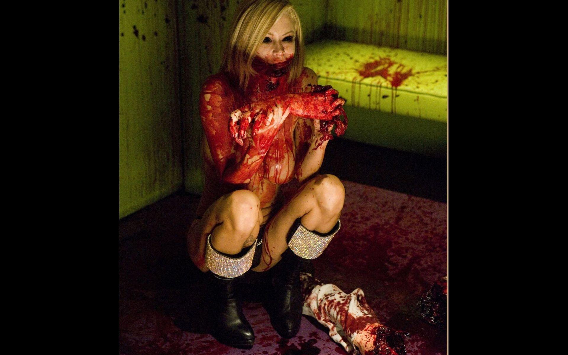 Стриптиз от зомби смотреть фото