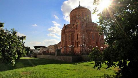 Здание Армянской апостольской церкви на Трифоновской