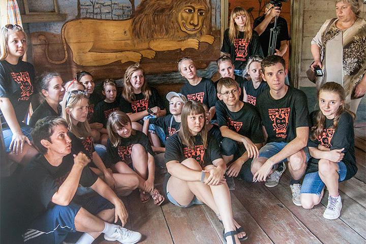 Музей «Дом со львом» (село Поповка, Саратовская обл.)
