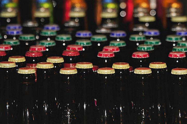 Владельцы бельгийской пивной хотят сломать предрассудок о том, что разливное лучше бутылочного
