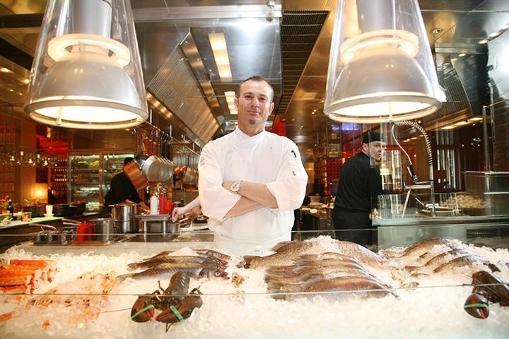 Глен Баллис на кухне ресторана «Недальний Восток»