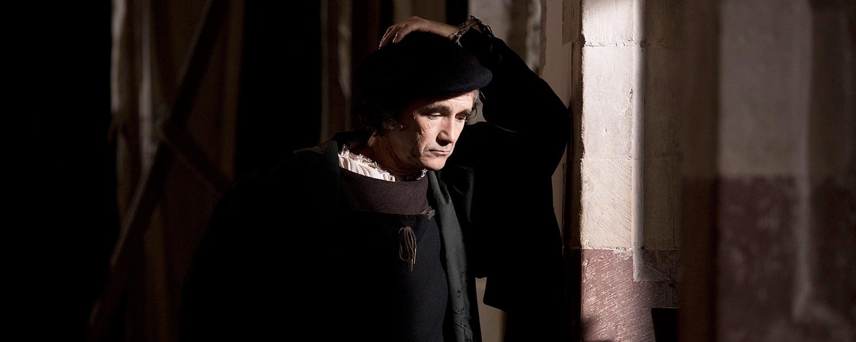 Сериал «Волчий зал»: лучшая костюмная драма сезона