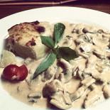 Ресторан 095 - фотография 1 - Беладжио ( курица с грибами в соусе и картофильное пюре) очень понравилось