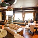 Ресторан Лодка - фотография 5 - Большой VIP зал с караоке