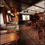 Ресторан Будвайзер Будвар - фотография 6 - Народный зал - здесь поют и наливают! Весь спорт на большом экране. (2-ой этаж)