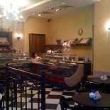 Ресторан Тарт Татен - фотография 3 - Зал Кафе-Пекарни