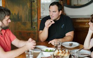 Питмастер из Техаса объясняет русскому мяснику, что такое барбекю в США
