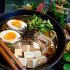 Ресторан Хон Гиль Дон - фотография 2 - легкий японский суп и салат из комбу и вакаме